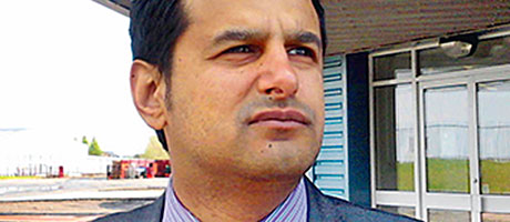 Sarwar in hot seat at wholesale group