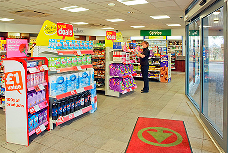 Team discussions led to the innovative, angled automatic door. The difference is dramatic. It gives the store an open airy feel, directs traffic to the motorists' corner and ensures the Spar shop is highly accessible.