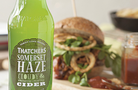 057_Thatchers Somerset Haze with Pulled Chicken Burger_lr