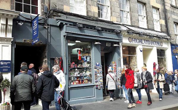 Royal Mile newsagent sets Scottish 'record'