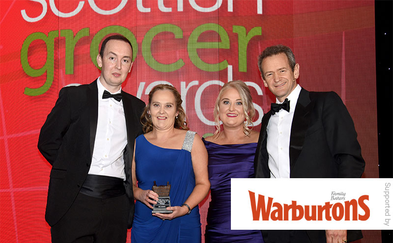 Alexander Armstrong present the Bakery Retailer of the Year (Independent Store) supported by Warburtons Award to Spar Condorrat.